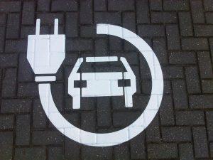 Oplaadpunt elektrische auto bij Van den Berg Markeringen